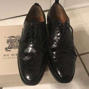 Authentic Burberry wingtip shoes women's size 5.5